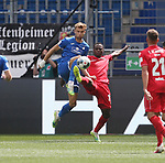 Stefan Posch (TSG 1899 Hoffenheim) und Anthony Ujah (1.FC Union Berlin)<br /> <br /> Sport: Fussball: Bundesliga: Saison 19/20: TSG 1899 Hoffenheim-1.FC Union Berlin, 20.06.2020.<br /> <br /> Foto: RALF POLLER/AVANTI/POOL/PIX-Sportfotos<br /> <br /> Nur für journalistische Zwecke! Only for editorial use! <br /> Gemäß den Vorgaben der DFL Deutsche Fußball Liga ist es untersagt, in dem Stadion und/oder vom Spiel angefertigte Fotoaufnahmen in Form von Sequenzbildern und/oder videoähnlichen Fotostrecken zu verwerten bzw. verwerten zu lassen. DFL regulations prohibit any use of photographs as image sequences and/or quasi-video.