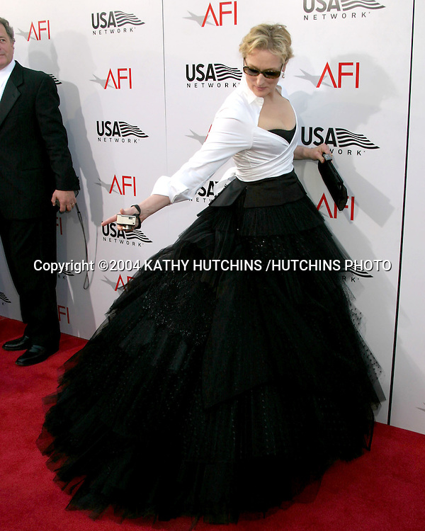 ©2004 KATHY HUTCHINS /HUTCHINS PHOTO.AFI SALUTE TO MERYL STREEP.KODAK THEATER.HOLLYWOOD, CA.JUNE 10 , 2004..MERYL STREEP.