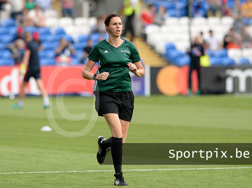 20170601 - CARDIFF , WALES : German assistant referee Christina Biehl pictured during a womensoccer match between the teams of  Olympique Lyonnais and PARIS SG, during the final of the Uefa Women Champions League 2016 - 2017 at the Cardiff City Stadium , Cardiff - Wales - United Kingdom , Thursday 1  June 2017 . PHOTO SPORTPIX.BE | DAVID CATRY