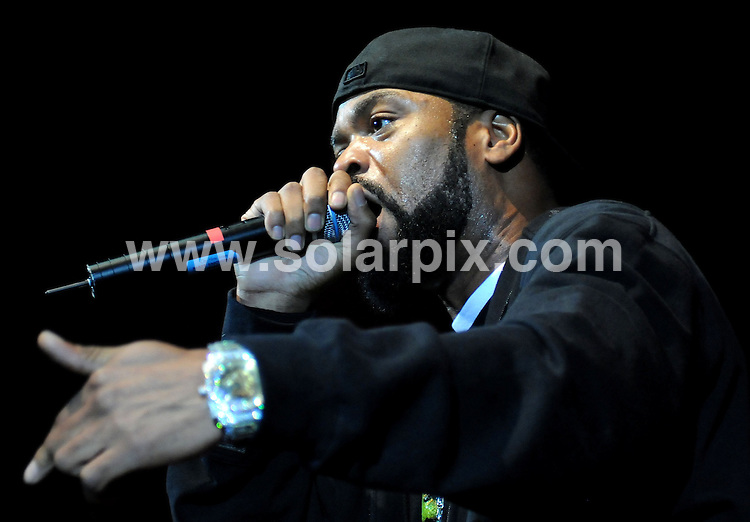 """**ALL ROUND PICTURES FROM SOLARPIX.COM**.**WORLDWIDE SYNDICATION RIGHTS**.Rappers """"Method man & Redman"""" performing at the Sheppards Bush Empire London Uk..JOB REF6156:       SSD     DATE:15.04.08.**MUST CREDIT SOLARPIX.COM OR DOUBLE FEE WILL BE CHARGED* *UNDER NO CIRCUMSTANCES IS THIS IMAGE TO BE REPRODUCED FOR ANY ONLINE EDITION WITHOUT PRIOR PERMISSION*"""