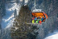 Oesterreich, Salzburger Land, Pinzgau, Dienten am Hochkoenig: Wintersportregion, 6er Sesselbahn Buerglalm zur Wastlhoehe | Austria, Salzburger Land, Pinzgau, Dienten am Hochkoenig: wintersport resort, 6 chairlift Buerglalm