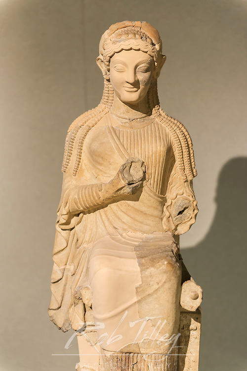 Europe, Italy, Sicily, Syracuse, Museo Archeologico Regionale Paolo Orsi, Greek Statue from the 6th century BC