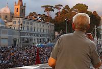 """Il giurista Stefano Rodota' alla manifestazione """"La via maestra"""" in difesa della Costituzione Italiana a Roma, 12 ottobre 2013.<br /> Italian jurist Stefano Rodota' speaks during a demonstration in defence of the Italian Constitution in Rome, 12 October 2013.<br /> UPDATE IMAGES PRESS/Isabella Bonotto"""
