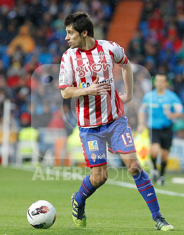 Sporting de Gijon's Roberto Canella during La Liga match.April 14,2012. (ALTERPHOTOS/Acero)