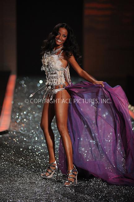 WWW.ACEPIXS.COM . . . . . ....November 19 2009, New York City....Model on the runway during the 2009 Victoria's Secret fashion show at The Armory on November 19, 2009 in New York City.....Please byline: KRISTIN CALLAHAN - ACEPIXS.COM.. . . . . . ..Ace Pictures, Inc:  ..(212) 243-8787 or (646) 679 0430..e-mail: picturedesk@acepixs.com..web: http://www.acepixs.com