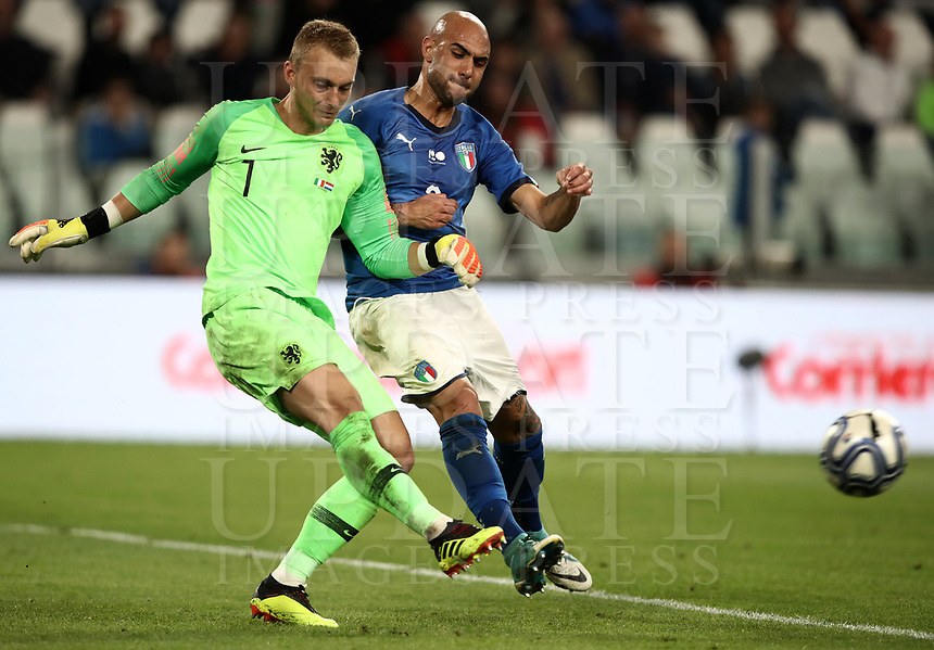 International friendly football match Italy vs The Netherlands, Allianz Stadium, Turin, Italy, June 4, 2018. <br /> Italy's Simone Zaza (r) in action with Netherlands' goalkeeper Jasper Cillessen (l) during the international friendly football match between Italy and The Netherlands at the Allianz Stadium in Turin on June 4, 2018.<br /> UPDATE IMAGES PRESS/Isabella Bonotto