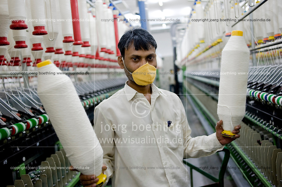 "Südasien Asien Indien IND Madhya Pradesh , Verarbeitung von fairtrade Baumwolle bei Mahima Fibres Ltd. -  Textilwirtschaft Textilindustrie Baumwolle xagndaz | .South Asia India Madhya Pradesh  Mahima Fibres Ltd. spinning factory process fairtrade cotton.  -   textile industry .| [ copyright (c) Joerg Boethling / agenda , Veroeffentlichung nur gegen Honorar und Belegexemplar an / publication only with royalties and copy to:  agenda PG   Rothestr. 66   Germany D-22765 Hamburg   ph. ++49 40 391 907 14   e-mail: boethling@agenda-fototext.de   www.agenda-fototext.de   Bank: Hamburger Sparkasse  BLZ 200 505 50  Kto. 1281 120 178   IBAN: DE96 2005 0550 1281 1201 78   BIC: ""HASPDEHH"" ,  WEITERE MOTIVE ZU DIESEM THEMA SIND VORHANDEN!! MORE PICTURES ON THIS SUBJECT AVAILABLE!! INDIA PHOTO ARCHIVE: http://www.visualindia.net ] [#0,26,121#]"