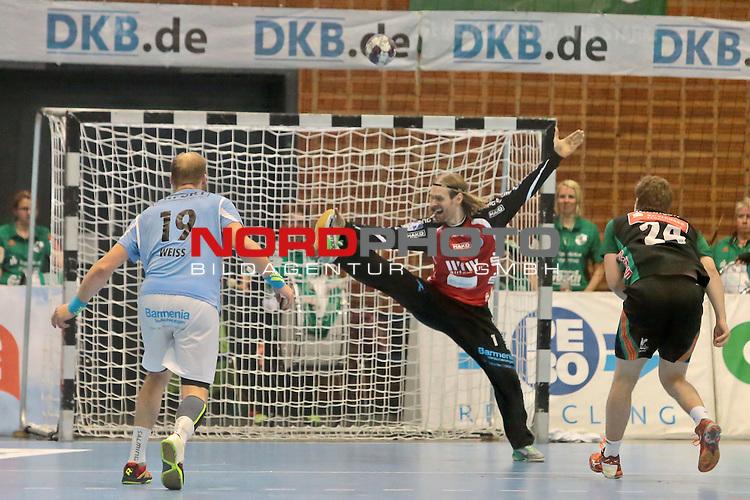 05.99.2015 , Sportarena, Hannover, GER,  DKB Handball-Bundesliga 15/16, TSV Hannover-Burgdorf vs Bergischer HC . <br /> <br /> 7 Meter f&uuml;r den TSV durch Unar Karason - aber HC TW Bj&ouml;rgwin Pall Gustavsson #1 kann abwehren<br /> <br /> <br /> <br />   Foto &copy; nph / Rust