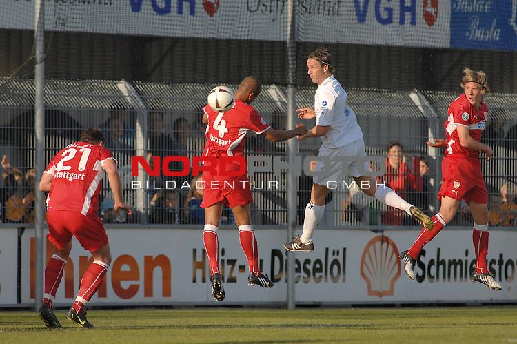 3. FBL 2008/2009 36. Spieltag RŁckrunde BSV Kickers Emden vs. VfB Stuttgart II, Bernd Rauw (Emden #4 ) gegen David Pisot (Stuttgart #4)  , Foto © nph (nordphoto)
