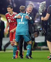 FUSSBALL       DFB POKAL FINALE        SAISON 2012/2013 FC Bayern Muenchen - VfB Stuttgart    01.06.2013 Bayern Muenchen ist Pokalsieger 2013: Torwart Manuel Neuer (li) und Trainer Jupp Heynckes (re, beide FC Bayern Muenchen) jubeln nach dem Abpfiff