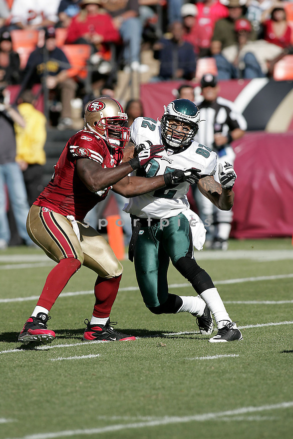 TAKEO SPIKES, of the San Francisco 49ers , in action against the Philadelphia Eagles during the 49ers game in San Francisco, CA on October 12, 2008. ..Eaagles win 40-26