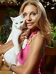 Lens, le 31 Août 2016, Lolita Morena, avec César un des ses chats © sedrik nemeth