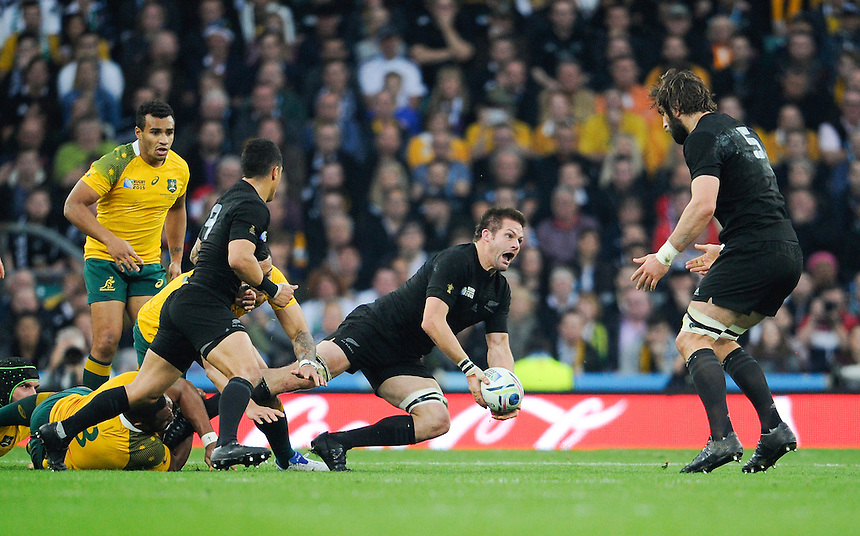 New Zealand's Richie McCaw in action during todays match<br /> <br /> Photographer Ashley Western/CameraSport<br /> <br /> Rugby Union - 2015 Rugby World Cup Final - New Zealand v Australia - Saturday 31st October 2015 - Twickenham - London<br /> <br /> &copy; CameraSport - 43 Linden Ave. Countesthorpe. Leicester. England. LE8 5PG - Tel: +44 (0) 116 277 4147 - admin@camerasport.com - www.camerasport.com