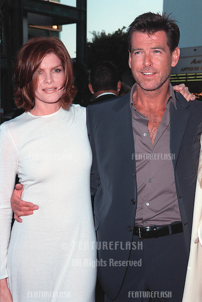 "27JUL99:  Actor PIERCE BROSNAN & actress RENE RUSSO at the world premiere, in Beverly Hills, of their new movie ""The Thomas Crown Affair""..© Paul Smith / Featureflash"