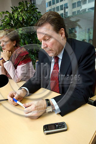 BRUSSELS - BELGIUM - 10 MARCH 2007 -- Astrid THORS Minister for European Affairs of Finland with Ilkka KANERVA (Ri), Foreign Minister of Finland during his press conference where he admitted sending SMS's to  dancer Johanna Tukiainen member of the erotic dance group Dolls. -- Photo: Juha ROININEN / EUP-IMAGES..-- HSYO 20080310 --