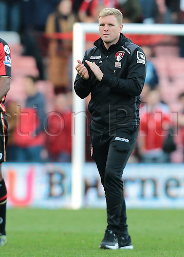 25.10.2015. Vitality Stadium, Bournemouth, England. Barclays Premier League. Bournemouth versus Tottenham Hotspur.  Bournemouth Manager Eddie Howe applauds his fans at full time