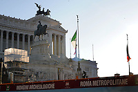 Indagini archeologiche per i lavori della metropolitana.Archaeological survey for the work of the subway.Il Monumento nazionale a Vittorio Emanuele II, conosciuto con il nome di Vittoriano, è un monumento nazionale di Roma situato in Piazza Venezia. Inaugurato da Vittorio Emanuele III il 4 giugno 1911 e finito nel 1935.The National Monument to Vittorio Emanuele II, known by the name of.Victorian is a national monument located in Rome's Piazza Venezia..Opened by Vittorio Emanuele III June 4, 1911.....