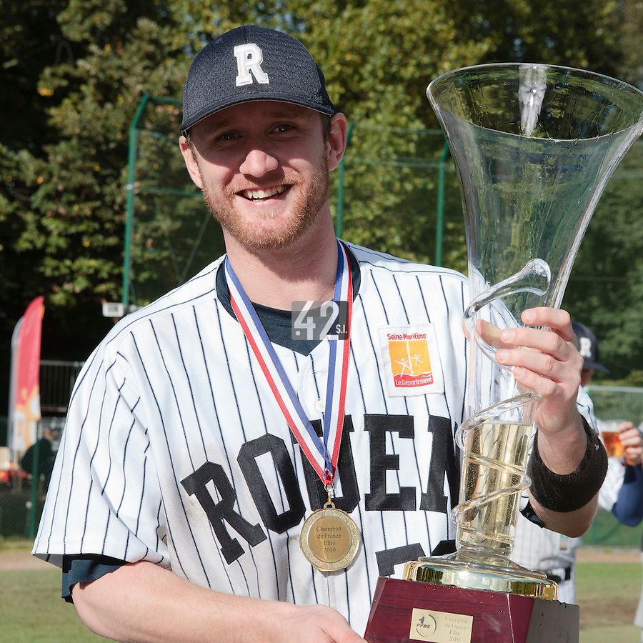 24 October 2010: Aaron Hornostaj poses with the Championship trophy as Rouen defeats 5-1 Savigny, during game 4 of the French championship finals, in Rouen, France. Rouen wins his 7th French Championship in 8 years.
