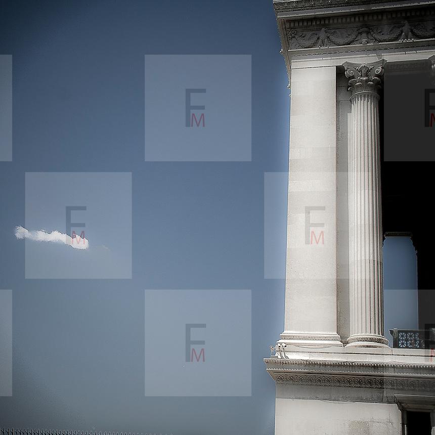 Colonne dell'Altare della Patria a Roma..Columns of Altare della Patria, aka Vittoriano, in Rome