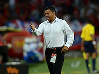 MEDELLÍN -COLOMBIA-1-MAYO-2016 . Nilton Bernal director técnico de Fortaleza   en acción contra Medellín  durante partido por la fecha 16 de Liga Águila I 2016 jugado en el estadio Atanasio Girardot ./  Nilton Bernal coach of  Fortaleza  FC  against Medellin during the match for the date 16 of the Aguila League I 2016 played at Atanasio Girardot  stadium in Medellin . Photo: VizzorImage / León Monsalve  / Contribuidor