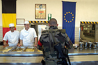 - Eurocorps, European multinational army corps, french soldiers in refectory....- Eurocorps, corpo militare multinazionale europeo, militari..francesi in mensa..