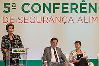 BRASILIA, DF, 03.11.2015 - DILMA-CONSEA-  A presidente Dilma Rousseff, participa da abertura da 5ª Conferência Nacional de Segurança Alimentar e Nutricional (Consea), tendo ao fundo, os ministros Patrus Ananias (Desenvolvimento Agrário) e Teresa Campelo (Desenvolvimento Social e Combate à Fome), no Centro de Convenções Ulysses Guimarães, nesta terça-feira, 03.(Foto:Ed Ferreira/Brazil Photo Press)