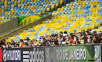 RIO DE JANEIRO, 29.06.2013 - COPA DAS CONFEDERAÇÕES - TREINO / BRASIL -  Imprensa durante treino do Brasil na véspera da partida final da Copa das Confederações contra a Espanha no Estádio do Maracanã na cidade do Rio de Janeiro, neste sábado, 29. (Foto: William Volcov / Brazil Photo Press).