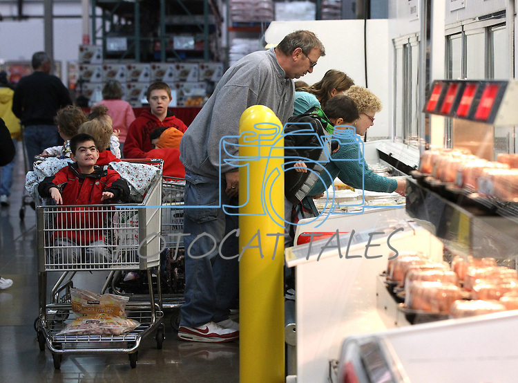 Merrill and Roberta Simon shop with their family at Costco in Carson City, Nev., on Sunday, Dec. 18, 2011.  .Photo by Cathleen Allison