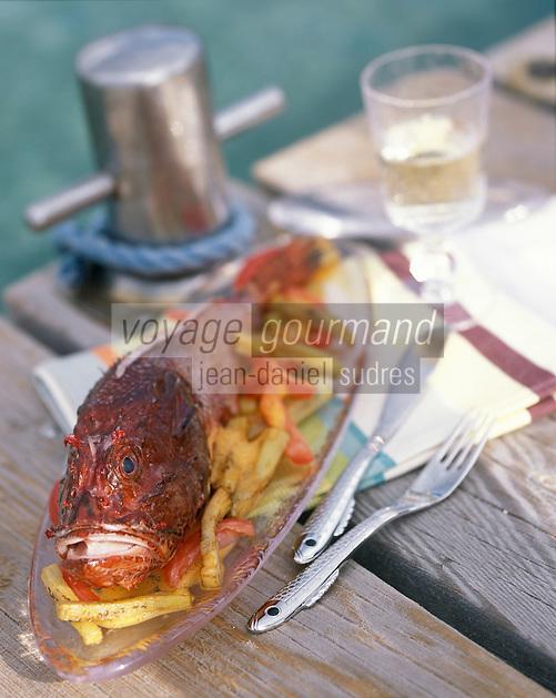 Europe/France/Corse/2A/Corse-du-Sud/Porto-Vecchio: Chapon Farci cuit en cocotte recette de Georges Billom Chef du Grand Hotel de Cala Rossa