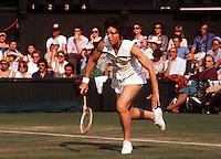 15.06.1973 Wimbledon, England. Billie Jean King (USA) Serves during the All England Championships 1973, Grand Slam, WTA