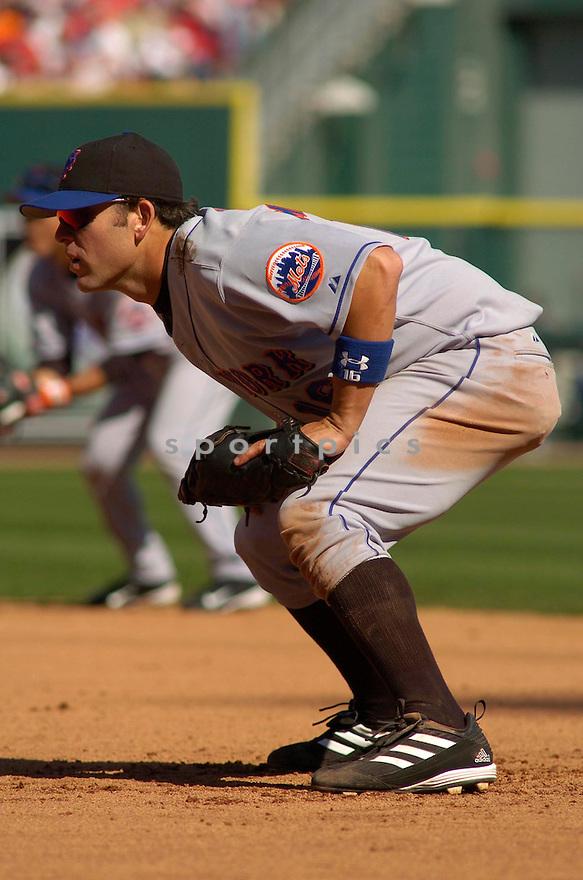 Doug Mientkiewicz during the New York Mets v. Cincinnati Reds game on April 7, 2005...Reds win 6-1..Chris Bernacchi / SportPics