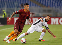 Calcio, Europa League: Roma vs Astra Giurgiu. Roma, stadio Olimpico, 29 settembre 2016.<br /> Roma&rsquo;s Leandro Paredes, left, is challenged by Astra Giurgiu&rsquo;s Junior Morais during the Europa League Group E soccer match between Roma and Astra Giurgiu at Rome's Olympic stadium, 29 September 2016. Roma won 4-0.<br /> UPDATE IMAGES PRESS/Riccardo De Luca