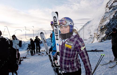 14.10.2011 Soelden Austria. U.S. Ski team women Training Soelden Austria U.S. Ski team Training for women Picture shows Lindsey Vonn (USA) Mandatory credit: ActionPlus