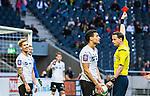 Solna 2015-04-26 Fotboll Allsvenskan AIK - &Ouml;rebro SK :  <br /> domare Andreas Ekberg delar ut ett r&ouml;tt kort till &Ouml;rebros Daniel Bj&ouml;rnqvist under matchen mellan AIK och &Ouml;rebro SK <br /> (Foto: Kenta J&ouml;nsson) Nyckelord:  AIK Gnaget Friends Arena Allsvenskan &Ouml;rebro &Ouml;SK utvisning utvisad utvisas utvisning r&ouml;tt kort
