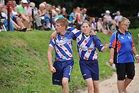 FIERLJEPPEN: GRIJPSKERK: 17-08-2013, 1e Klas wedstrijd, Age en Lisanne Hulder, ©foto Martin de Jong