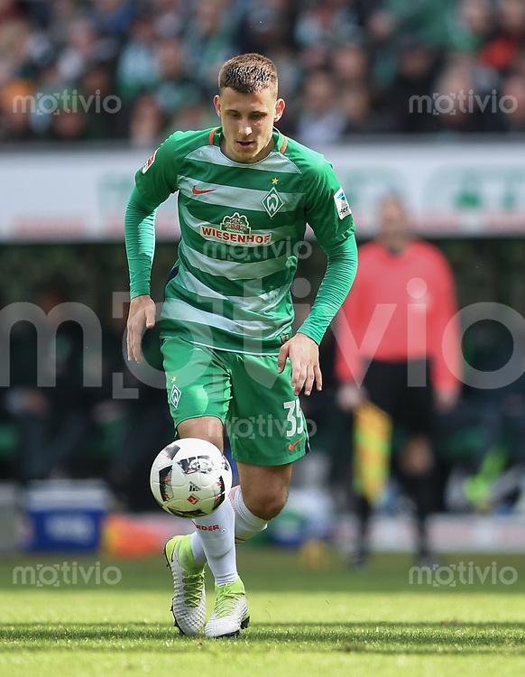 FUSSBALL     1. BUNDESLIGA      31. SPIELTAG    SAISON 2016/2017  SV Werder Bremen - Hertha BSC Berlin                          29.04.2017 Maximilian Eggestein (SV Werder Bremen)