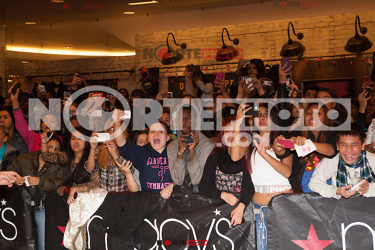 NEW YORK, NY - NOVEMBER 20: Fans await as Multi-Platinum singer, songwriter, rapper and American Idol judge, Nicki Minaj comes home to her fans in Queens, to celebrate the holiday season and the success of PINK FRIDAY, at Macy's Queens Center in New York. November 20, 2012. © Diego Corredor/MediaPunch Inc. /NortePhoto