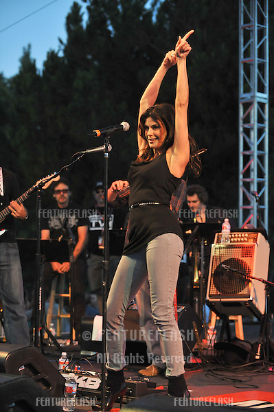 """Desperate Housewives"" star Teri Hatcher at the Netflix Live on Location concert, at The Autry National Center of the American West, where she performed with the ""Band from TV."".August 9, 2008  Los Angeles, CA.Picture: Paul Smith / Featureflash"