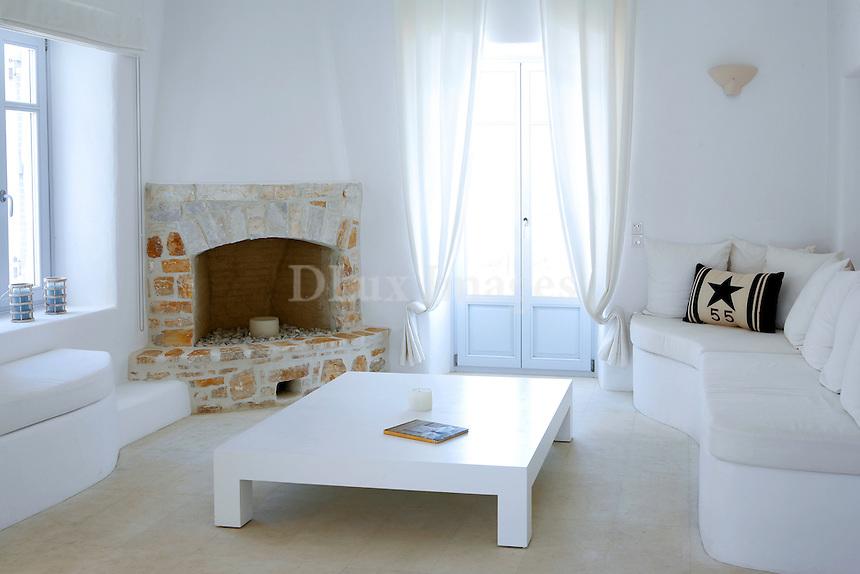 cycladic white living room