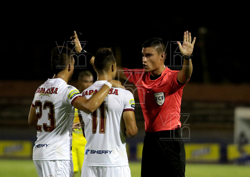 NEIVA-COLOMBIA, 01-09-2019: David Rodríguez, árbitro durante partido entre Atlético Huila y Deportes Tolima, de la fecha 9 por la Liga Águila II 2019 en el estadio Guillermo Plazas Alcid en la ciudad de Neiva. / David Rodríguez, referee during a match between Atletico Huila and Deportes Tolima of the 9th date for the Aguila Leguaje II 2019 at the Guillermo Plazas Alcid Stadium in Neiva city. Photo: VizzorImage  / Sergio Reyes / Cont.