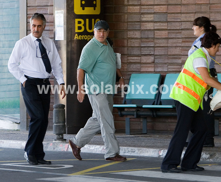 "**ALL ROUND EXCLUSIVE PICTURES FROM SOLARPIX.COM**.**UK NEWSPAPER PUBLICATION ONLY**.**WORDLWIDE SYNDICATION RIGHTS EXCEPT FOR SPAIN**NO PUBLICATION IN SPAIN**.Robert De Niro arrived from Bilbao to San Sebastian where he and his wife Grace Hightower and  children attended an exhibition of his fathers art work.They briefly went for a stroll down the Paseo de las Conchas wher he played with his children in the Park.They also dined at at the 3 star Michilen restaurant ""Akelarre"".Robert went for a walk alone down the River banks of the River Urumea before returning to his Hotel.They departed today by Private jet..JOB REF:  7073          PTB        DATE:21.08.08.**MUST CREDIT SOLARPIX.COM OR DOUBLE FEE WILL BE CHARGED* *UNDER NO CIRCUMSTANCES IS THIS IMAGE TO BE REPRODUCED FOR ANY ONLINE EDITION WITHOUT PRIOR PERMISSION*"