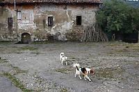 Consonno, il paese fantasma in provincia di Lecco, canonica,