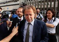 I PM escono dal palazzo di Giustizia dopo La sentrenza di rinvio a giudizio si Berlusconi per la compravendita dei senatori<br /> nella foto  Vincenzo Piscitelli  Napoli 23 10 2013