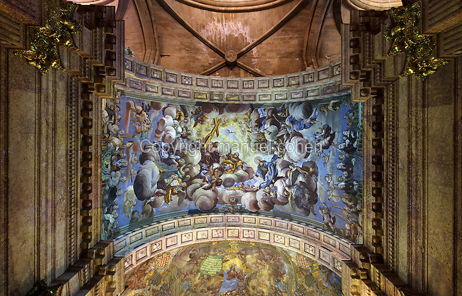 Ceiling fresco of the Ascension of the Mare de Deu de la Cinta to heaven, with the people of Tortosa, attributed to Pasqual Neltespera, in the Capella de la Santa Cinta, built 1672-1725 in Baroque style, in the Cathedral of St Mary, designed by Benito Dalguayre in Catalan Gothic style and begun 1347 on the site of a Romanesque cathedral, consecrated 1447 and completed in 1757, Tortosa, Catalonia, Spain. The cathedral has 3 naves with chapels between the buttresses and an ambulatory with radial chapels. Picture by Manuel Cohen