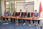 ODBOJKA, BEOGRAD, 11. Oct. 2010. - Na beogradskom aerodromu organizovan je docek za odbojkasku reprezentaciju Srbije nakon osvajanje bronzane medalje na Svetskom prvenstvu u Italiji. Foto: Nenad Negovanovic