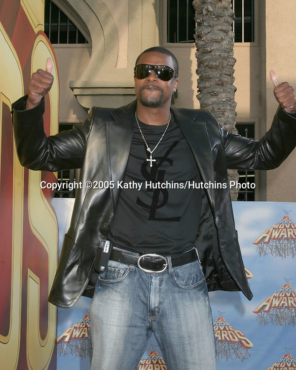 Chris Tucker arriving at the .MTV Movie Awards at the Shrine Auditorium, .Los Angeles, CA.June 4, 2005.©2005 Kathy Hutchins / Hutchins Photo