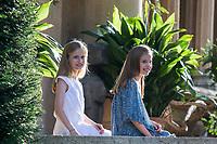 Princess Leonor (C) and Princess Sofia (L)