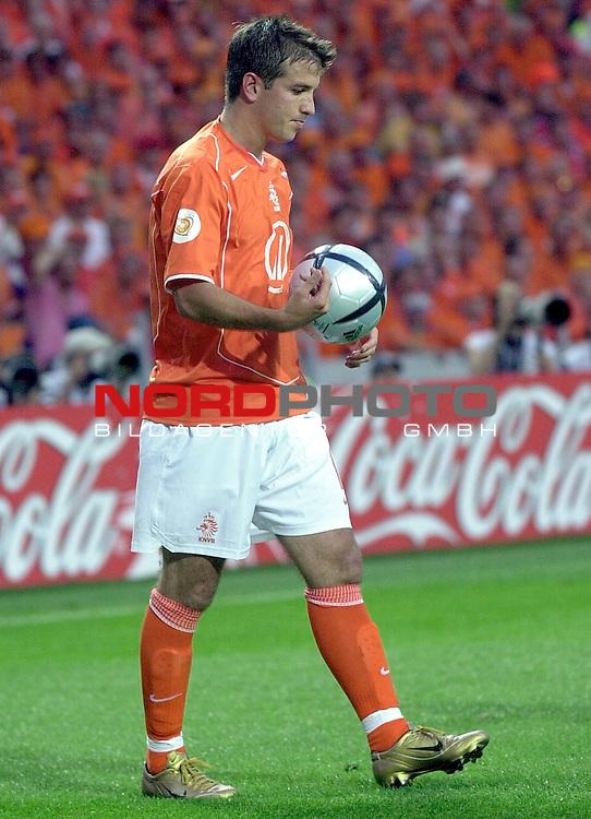 Europameisterschaft 2004 Portugal<br /> <br /> <br /> <br /> Deutschland - Niederlande<br /> <br /> <br /> <br /> Rafael van der Vaart (Niederlande)<br /> <br /> <br /> <br /> Foto &copy; nordphoto