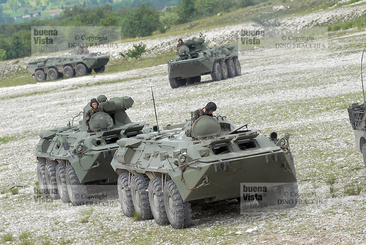 - MLF, European Multinational Land Force, Italian, Slovenian and Hungarian Combat Group; BTR-80 armoured personnel carrier (APC) of Hungarian army....- MLF, Forza Europea Multinazionale di Terra, Gruppo da Combattimento Italo Sloveno Ungherese; veicolo blindato per trasporto fanteria BTR-80 dell'esercito ungherese