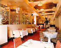 File Photo, Montreal (Qc) CANADA.the GLOBE restaurant on Saint Laurent boulevard in Montreal, CANADA.where many celebrities eat out while in Montreal.Photo : (c) Pierre Roussel / Images Distribution